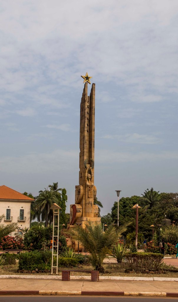 Hero's monument - Bissau